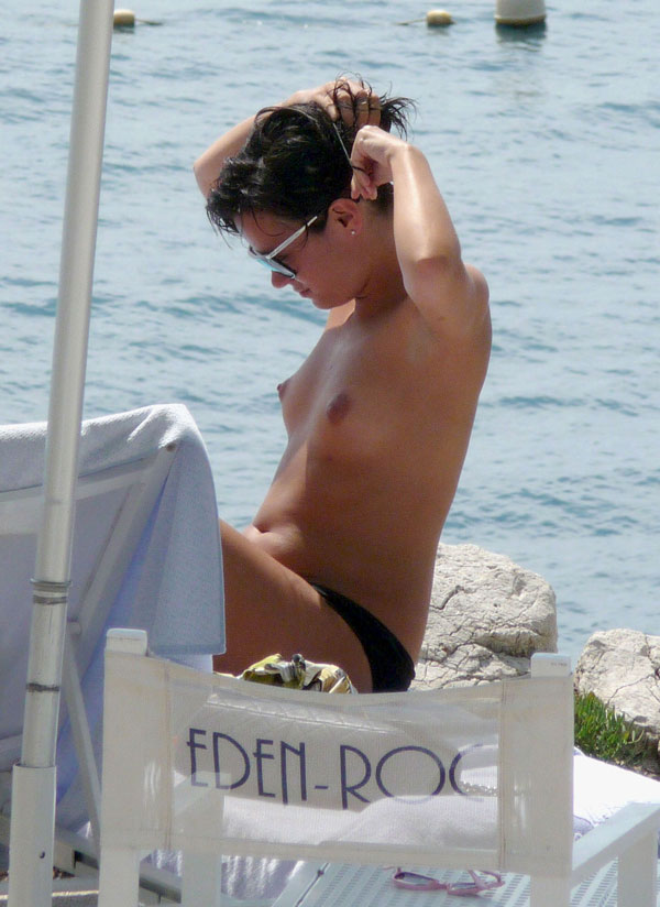 Celebrities naked sunbathing the dolls