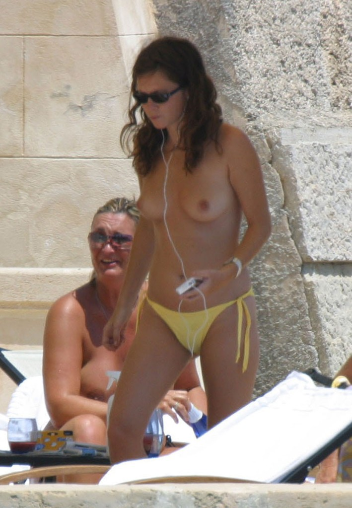 Beyonce See Through And Anna Friel Topless  Celebrity -6546
